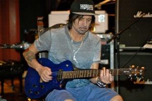 motorhead_studio_guitar-